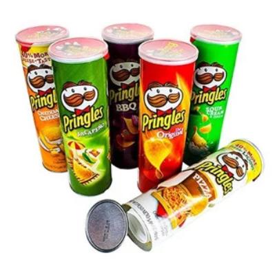 Blik Pringles met een gat en een dop